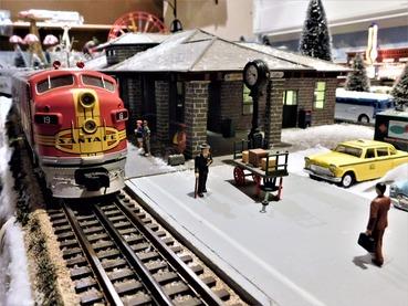Hbg Museum Trains_Santa Fe Locomotive at Station 2